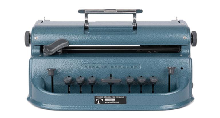 photo d'une Perkins permettant d'écrire en braille géant. Son aspect extérieur est le même que la Perkins classique.